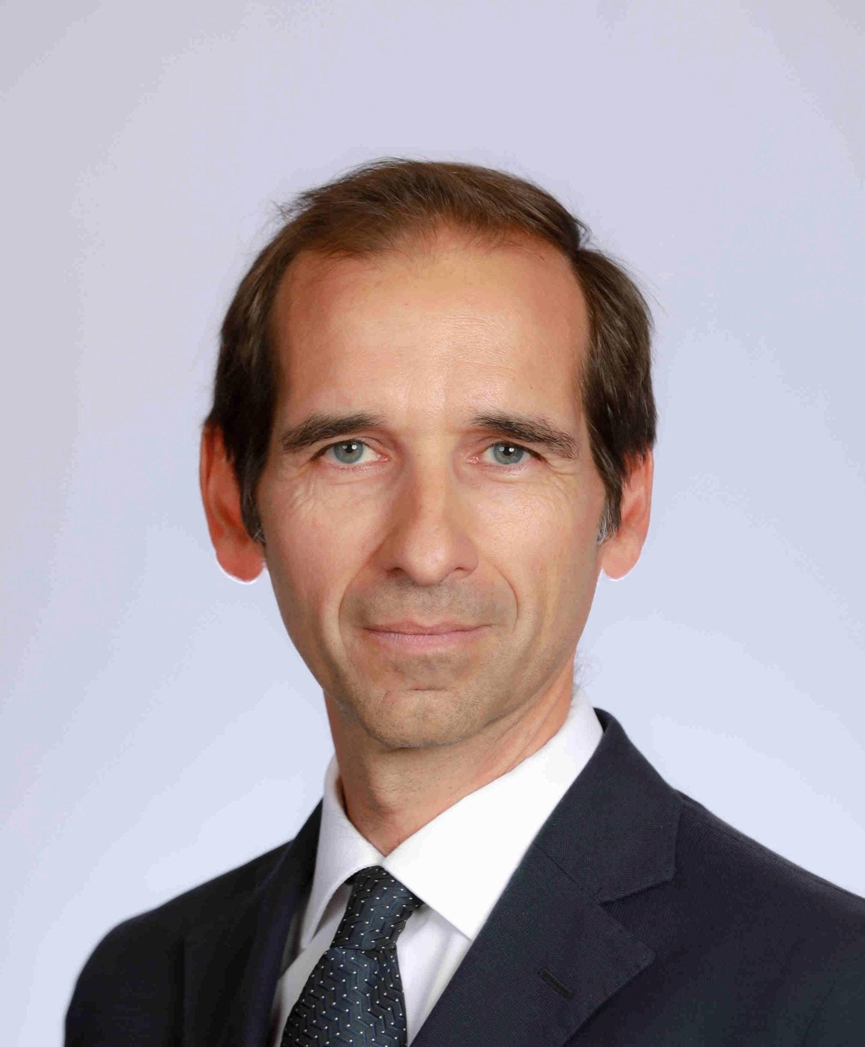 Dr. Luis Lassaletta